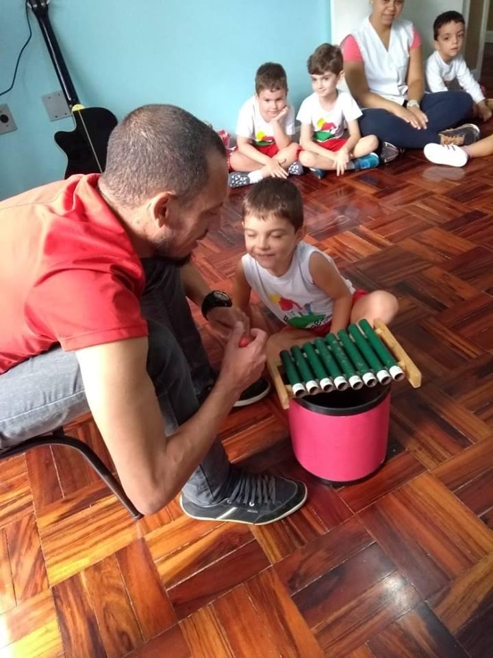 🎷🥁🎤A Baronesa investe nas aulas de música, pois a criança que vive em contato com a música aprende a conviver melhor com outras crianças e estabelece uma comunicação mais harmoniosa. Para as crianças de 0 a 6 anos a música tem o poder de encantar, dar segurança emocional e confiança porque elas se sentem compreendidas […]