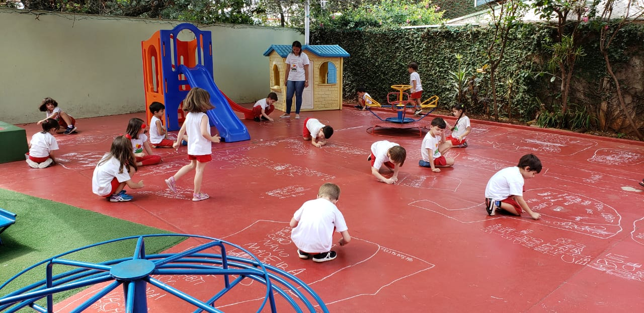 😁O Infantil 3 colocou em prática o aprendizado adquirido em sala de aula de uma maneira diferente, com o objetivo de fixar os conteúdos de forma lúdica e divertida 😁